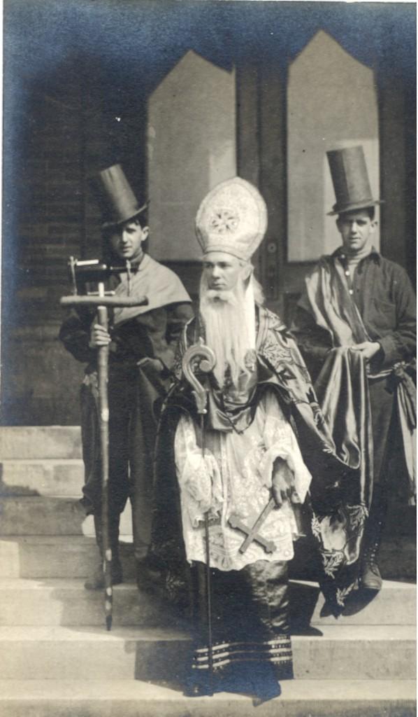 1908 St. Patrick & His Court