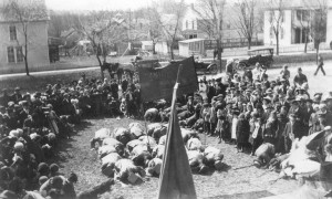1915 Faculty Bowing to St. Patrick