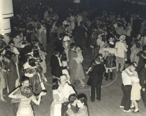 1940 Queens and Knights Ball