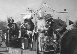 1940s  Court Arrival Ceremony