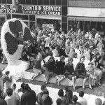 1960s Queens Parade Float