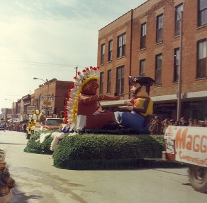 1977 Indian Cheif and Cowboy Parade Float