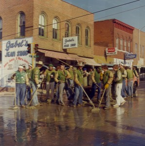 1977 Street Painters Group Photo