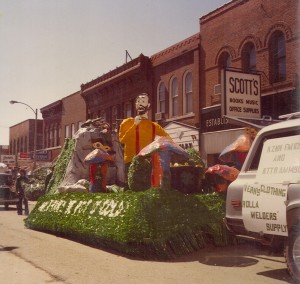 1980 Pot o' Gold Float in the Parade