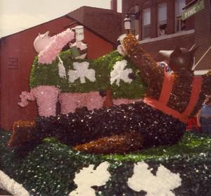 1982 St. Pats Three Pigs Parade Float
