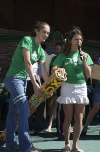 2006 Chi Omega Speaking with Shilelagh at Court Arrival