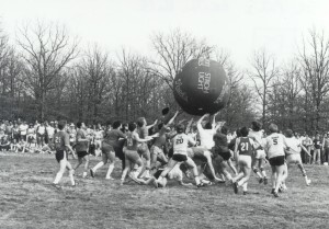 Giant Ball Game at Gonzo and Games